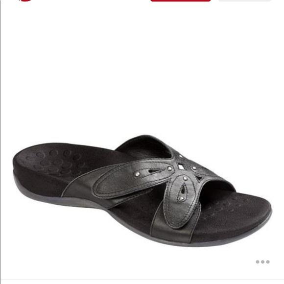 29f7f46aaba5 VIONIC Black Leather Sonja Slides Sandles. M 5b4cac268158b5380878f62f